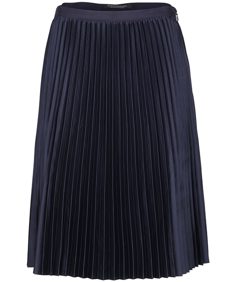Pleated skirt thumbnail